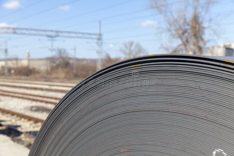 Ρόλοι του βιομηχανικού μετάλλου φύλλων στοκ εικόνες