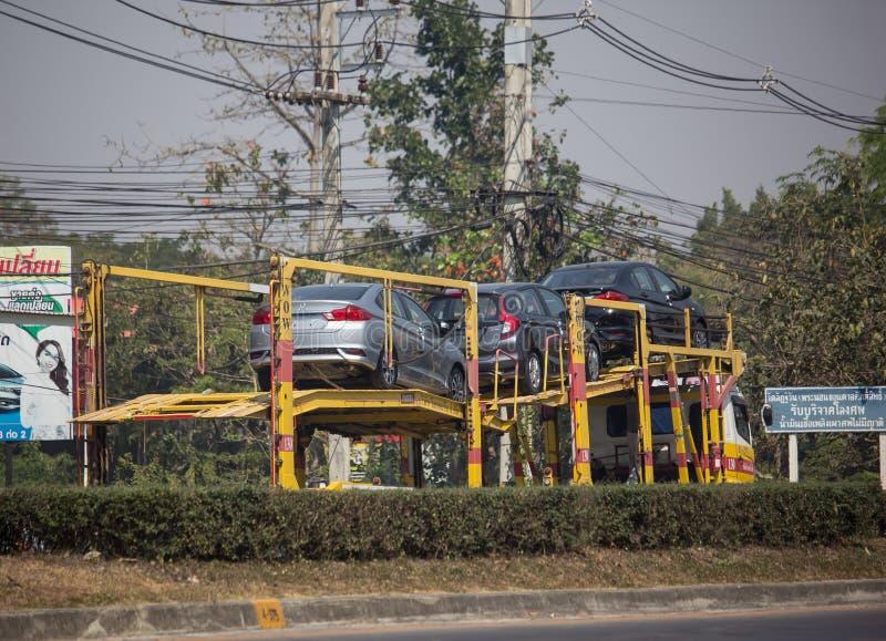 Ρόδα στο φορτηγό ρυμουλκών μεταφορέων ροδών στοκ εικόνες με δικαίωμα ελεύθερης χρήσης