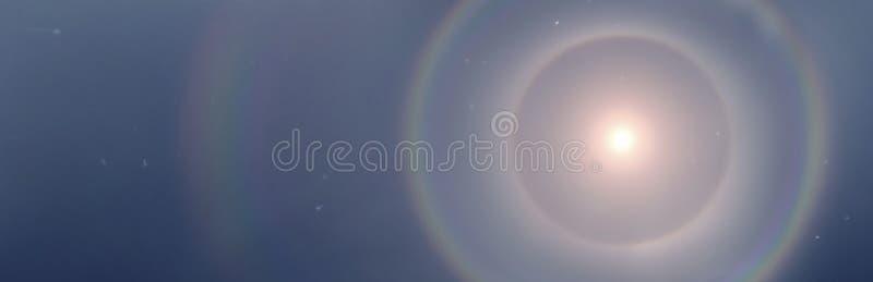 Σεληνιακός φωτοστέφανος στις Άλπεις στοκ φωτογραφία με δικαίωμα ελεύθερης χρήσης