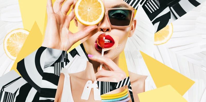 Σύνθεση των γυναικών στα γυαλιά ηλίου με το lollipop και το λεμόνι ελεύθερη απεικόνιση δικαιώματος