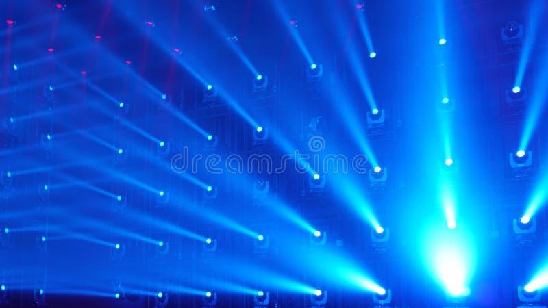 Σύνδεση των φωτεινών μπλε ακτίνων του φωτός, αφαίρεση αφηρημένη ανασκόπηση στοκ εικόνα