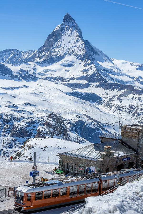 Σταθμός τρένου Gornergrat και το Matterhorn - το Zermatt, Ελβετία στοκ εικόνες