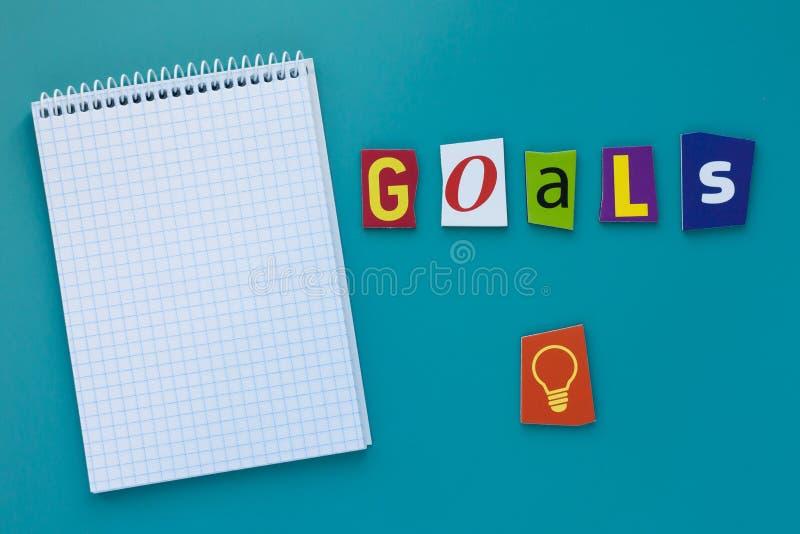 Στόχοι λέξης Στόχοι επιγραφής Ένα κείμενο γραψίματος λέξης που παρουσιάζει έννοια του στόχου που θέτει φιαγμένη από διαφορετική ε στοκ εικόνες με δικαίωμα ελεύθερης χρήσης