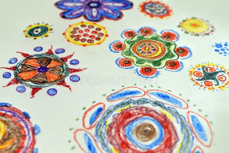 Σχέδιο μολυβιών παιδιών στους floral πολύχρωμους τόνους διανυσματική απεικόνιση