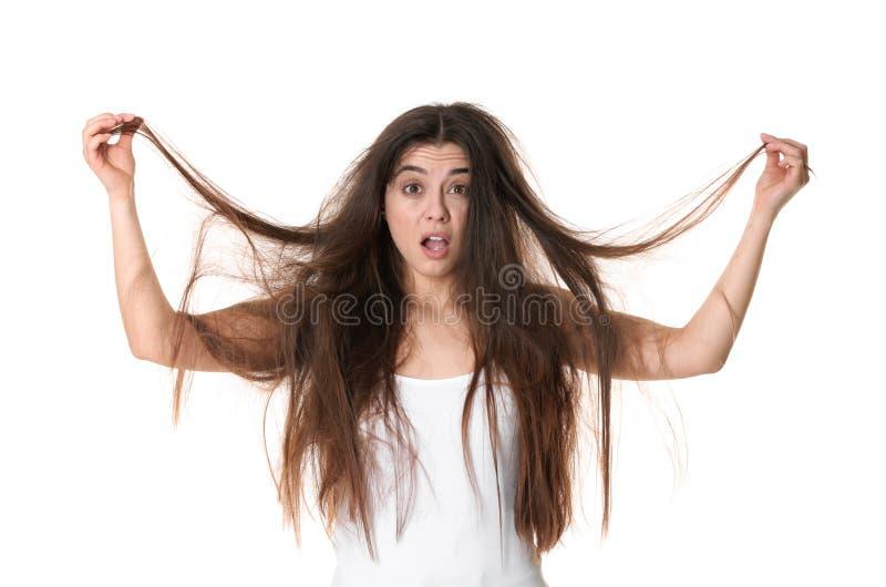 Συναισθηματική γυναίκα με την μπλεγμένη τρίχα στοκ εικόνα