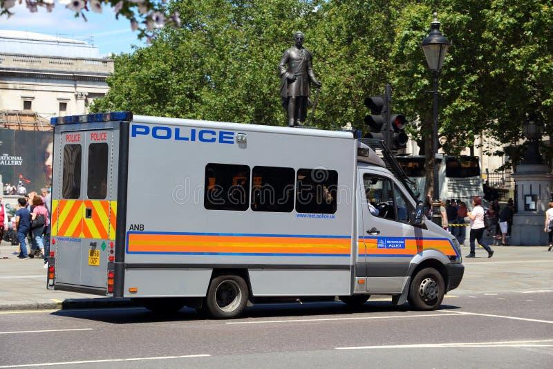 Συνερχόμενη το Λονδίνο αστυνομία στοκ εικόνες