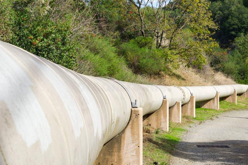 Σωλήνωση γλυκού νερού στο Los Gatos, περιοχή κόλπων του Σαν Φρανσίσκο, Καλιφόρνια στοκ φωτογραφία με δικαίωμα ελεύθερης χρήσης