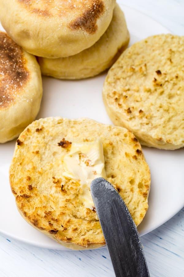 Σωρός φρέσκα αγγλικά Muffins προγευμάτων στοκ φωτογραφία με δικαίωμα ελεύθερης χρήσης