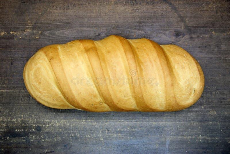 Ψωμί στον ξύλινο πίνακα στοκ φωτογραφίες με δικαίωμα ελεύθερης χρήσης