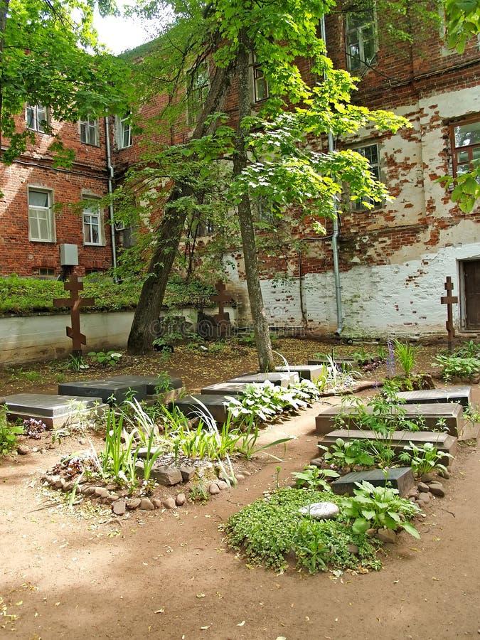 Τάφοι στο παλαιό αδελφικό νεκροταφείο Valaam spaso-Preobrazhensky stavropegial μοναστήρι στοκ φωτογραφία με δικαίωμα ελεύθερης χρήσης