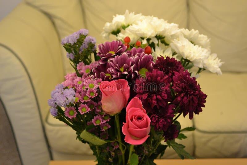 τα λουλούδια ανθοδεσμών στεγάζουν το μου στοκ φωτογραφίες με δικαίωμα ελεύθερης χρήσης