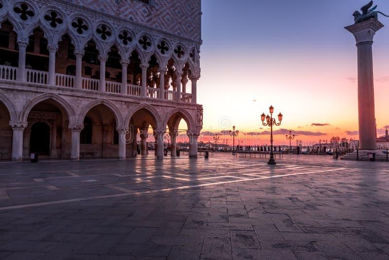Τετράγωνο SAN Marco στη Βενετία Italy στοκ φωτογραφία με δικαίωμα ελεύθερης χρήσης