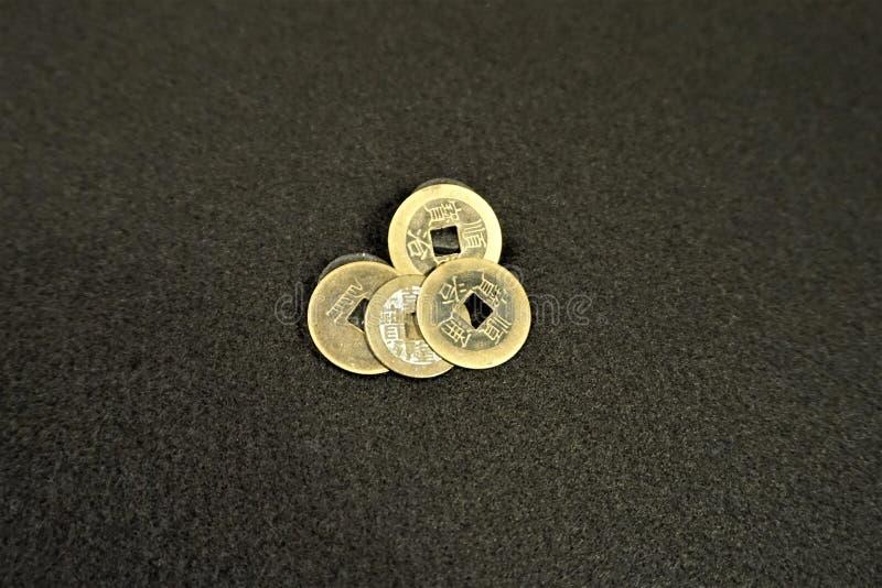 Τετραγωνικά νομίσματα μετρητών τρυπών κινεζικά στοκ φωτογραφία με δικαίωμα ελεύθερης χρήσης
