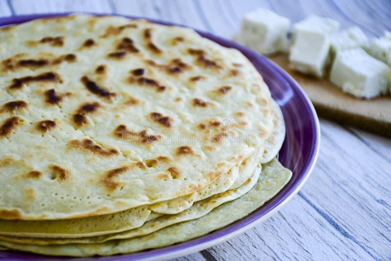Τηγανίτες με το άσπρο τυρί στοκ εικόνες με δικαίωμα ελεύθερης χρήσης