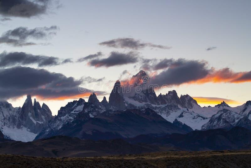 Τοποθετήστε τη Fitz Roy και Cerro Torre στο ηλιοβασίλεμα, Παταγωνία, Αργεντινή στοκ εικόνα με δικαίωμα ελεύθερης χρήσης