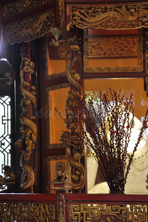 Το άσπρο άγαλμα νεφριτών ξαπλώματος Βούδας από το εσωτερικό ναών του Βούδα νεφριτών στη Σαγκάη στοκ φωτογραφίες με δικαίωμα ελεύθερης χρήσης