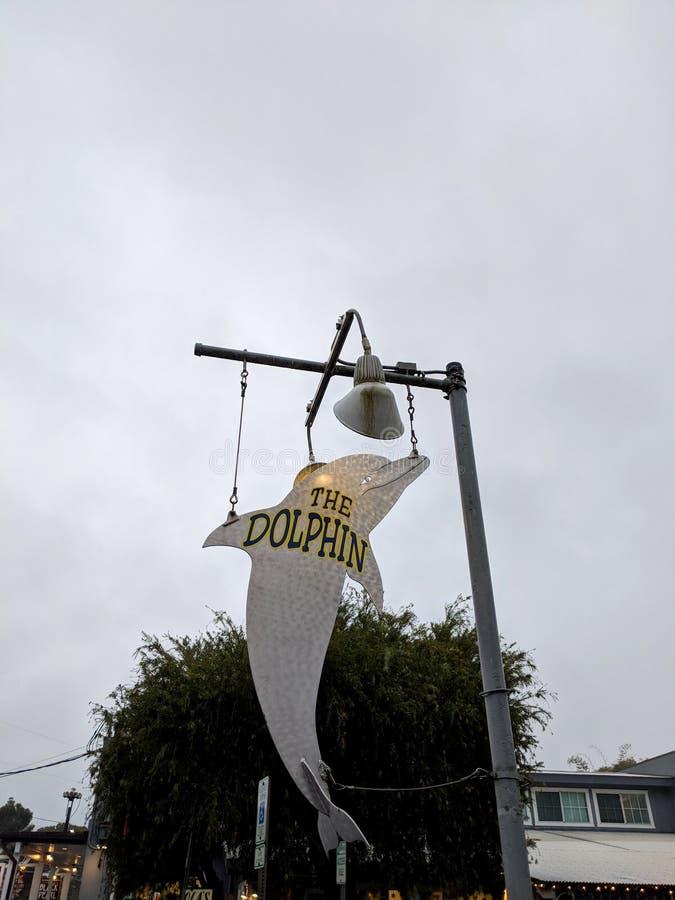 Το σημάδι εστιατορίων δελφινιών στοκ φωτογραφία