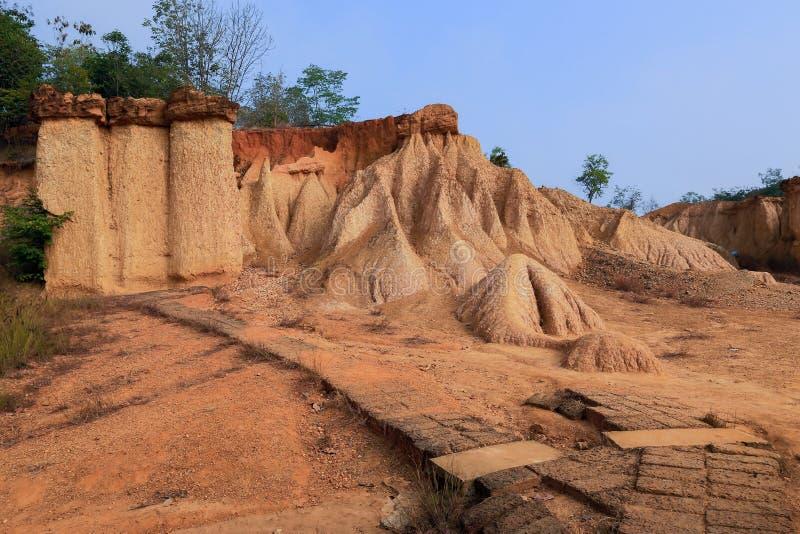 Το Pae Muang κατουρεί πάρκο, άμμος βουνών και βράχος σε Phrae, Ταϊλάνδη στοκ φωτογραφία με δικαίωμα ελεύθερης χρήσης