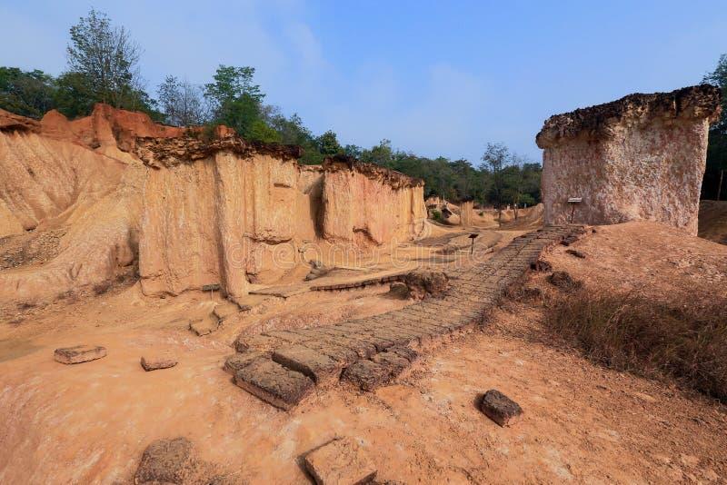 Το Pae Muang κατουρεί πάρκο, άμμος βουνών και βράχος σε Phrae, Ταϊλάνδη στοκ εικόνα