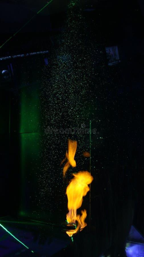 Φλόγες και νερό στοκ εικόνα με δικαίωμα ελεύθερης χρήσης