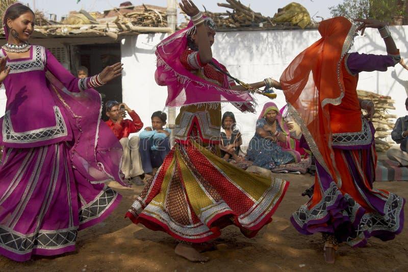 Φυλετικοί χορευτές στο Jaipur, Ινδία στοκ φωτογραφίες με δικαίωμα ελεύθερης χρήσης