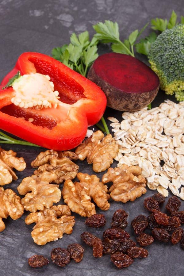 Φυσικά τρόφιμα που συστήνονται για την υπέρταση, τους υγιείς τρόπους ζωής και τη διατροφή στοκ εικόνα