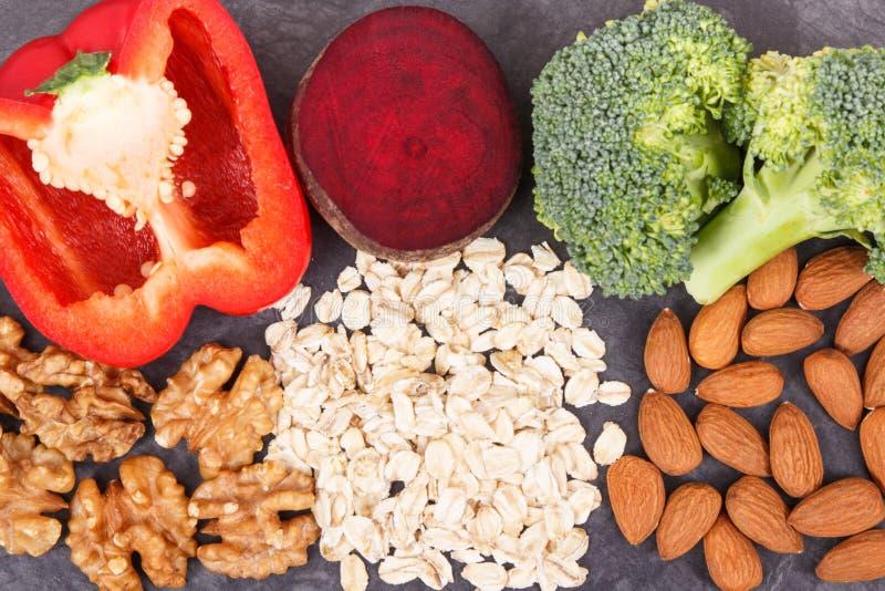 Φυσικά τρόφιμα που συστήνονται για την υπέρταση, τους υγιείς τρόπους ζωής και τη διατροφή στοκ φωτογραφία