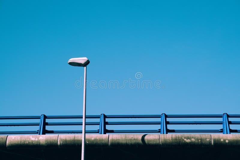 Φωτεινός σηματοδότης στην οδό στοκ φωτογραφίες με δικαίωμα ελεύθερης χρήσης