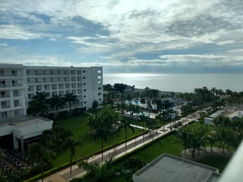 ωκεάνια άποψη της άσπρης παραλίας στοκ εικόνες