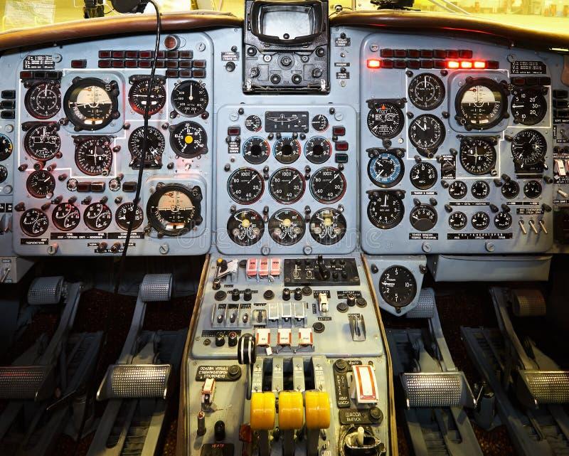 Πίνακας ελέγχου σε ένα πιλοτήριο αεροπλάνων μικρό ταξίδι χαρτών του Δουβλίνου έννοιας πόλεων αυτοκινήτων στοκ φωτογραφίες