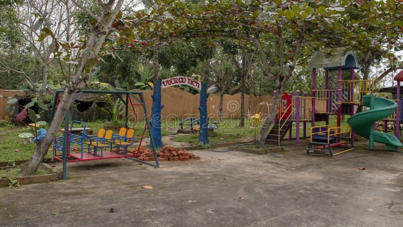 Παιδική χαρά στον παιδικό σταθμό Hoa Chau, χωριό καλλιέργειας Phuong Nam, Βιετνάμ στοκ εικόνες με δικαίωμα ελεύθερης χρήσης