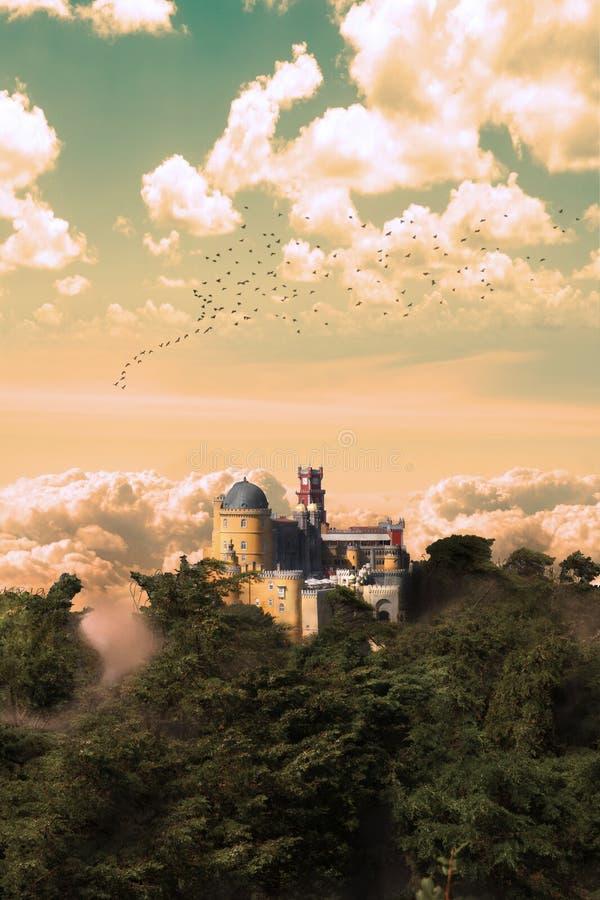 Παλάτι Pena στο ηλιοβασίλεμα στοκ φωτογραφία