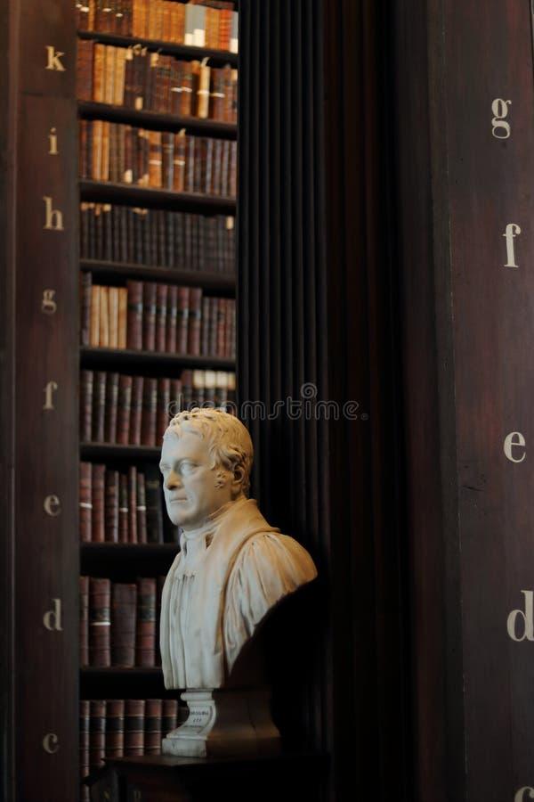 Παλαιά βιβλιοθήκη στο κολλέγιο τριάδας στοκ φωτογραφία με δικαίωμα ελεύθερης χρήσης