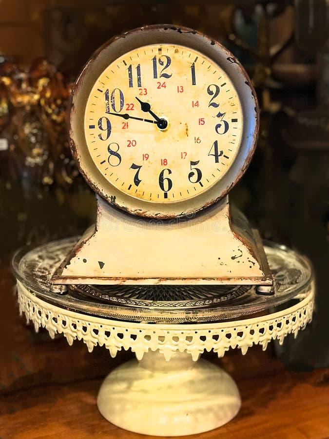 Παλαιό βικτοριανό ρολόι στοκ εικόνα με δικαίωμα ελεύθερης χρήσης