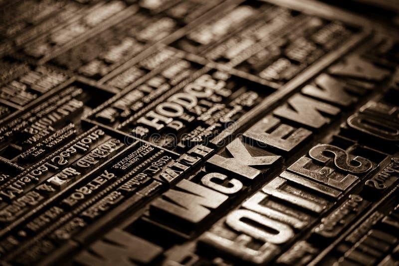 Παλαιό εκλεκτής ποιότητας βικτοριανό υπόβαθρο Τύπου εκτύπωσης βιβλίων εφημερίδων στοκ φωτογραφία με δικαίωμα ελεύθερης χρήσης