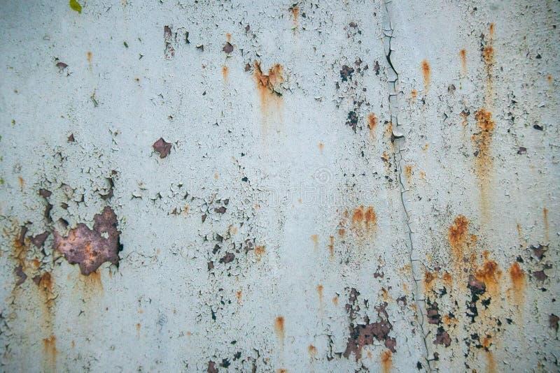 Παλαιό διαβρωμένο υπόβαθρο τοίχων μετάλλων με το λεπιοειδές γκρίζο χρώμα Σκουριασμένη λεπιοειδής ραγισμένη επιφάνεια μετάλλων Αφα στοκ φωτογραφίες με δικαίωμα ελεύθερης χρήσης