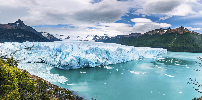 Πανοραμική άποψη Perito Moreno Glacier στο εθνικό πάρκο Los Glaciares στην Παταγωνία - EL Calafate, Santa Cruz, Αργεντινή στοκ φωτογραφίες με δικαίωμα ελεύθερης χρήσης