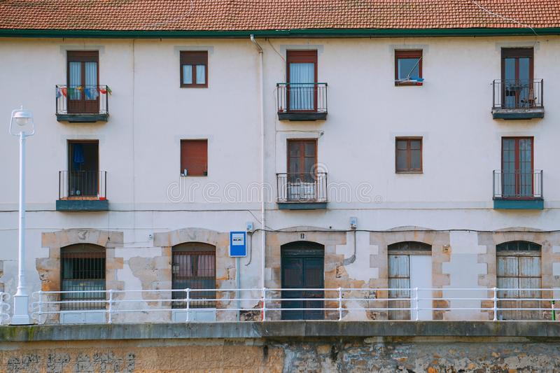 Παράθυρο στο σπίτι στοκ φωτογραφίες με δικαίωμα ελεύθερης χρήσης
