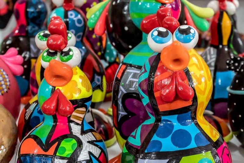 Παραλία του Πόρτο de Galinhas, Ipojuca, Pernambuco, Βραζιλία - το Σεπτέμβριο του 2018: Αγάλματα τεχνών κοτόπουλου στοκ εικόνα με δικαίωμα ελεύθερης χρήσης