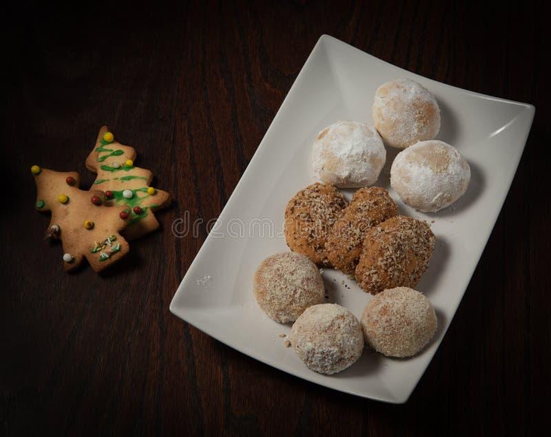 Παραδοσιακά ελληνικά γλυκά κέικ και μπισκότα Χριστουγέννων στοκ φωτογραφία με δικαίωμα ελεύθερης χρήσης