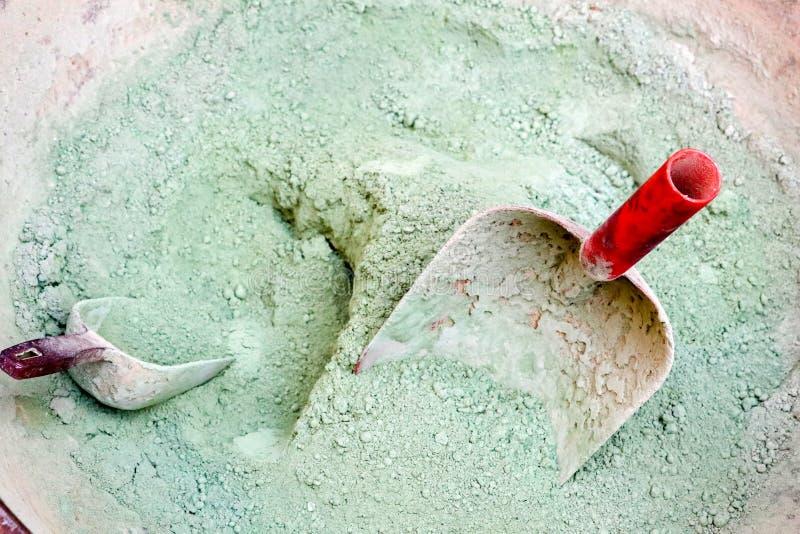 Παραδοσιακή τουρκική πράσινη ακατέργαστη Kina Henna σκόνη στοκ φωτογραφία