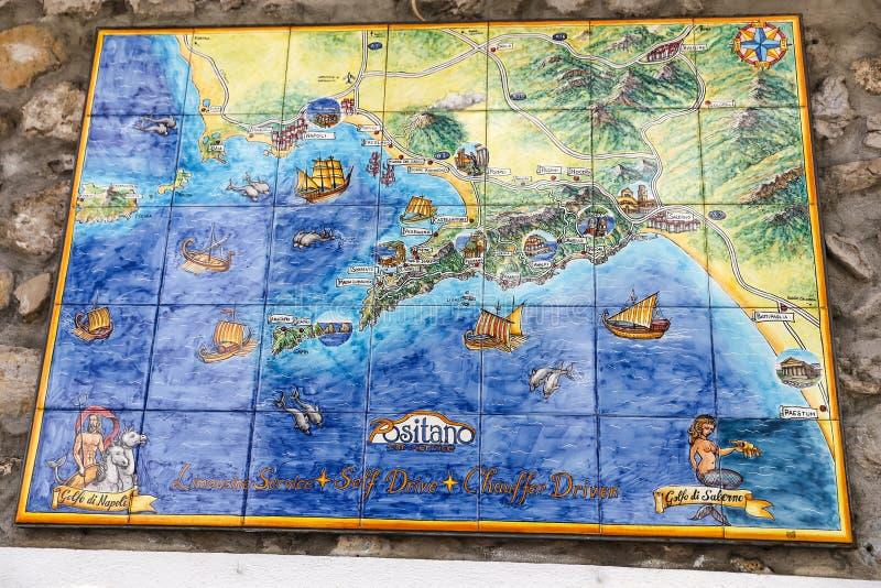Παραδοσιακός ζωηρόχρωμος κεραμικός χάρτης στοκ φωτογραφία