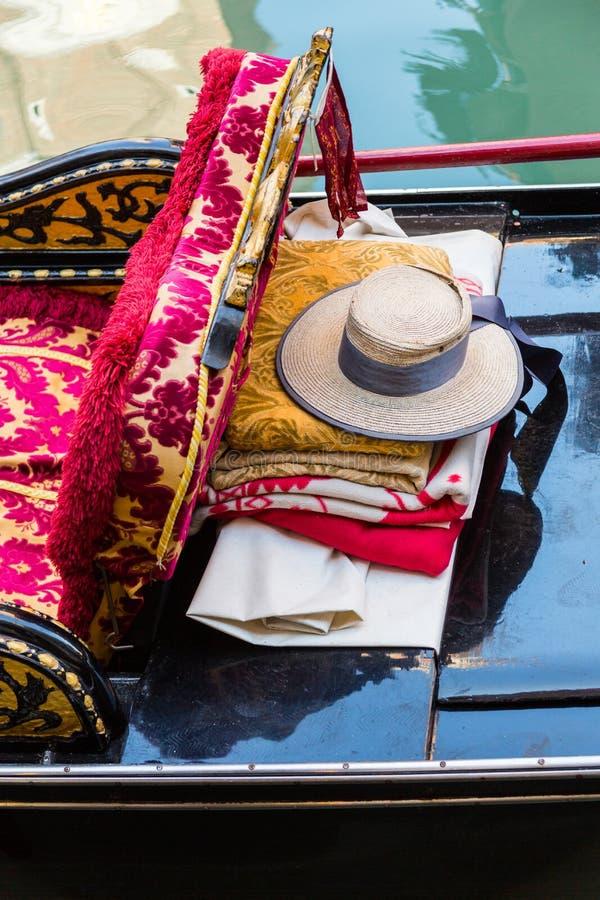 Περιουσίες gondolier σε μια γόνδολα στοκ εικόνα με δικαίωμα ελεύθερης χρήσης