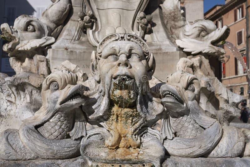 Πηγή του Pantheon στοκ φωτογραφία με δικαίωμα ελεύθερης χρήσης
