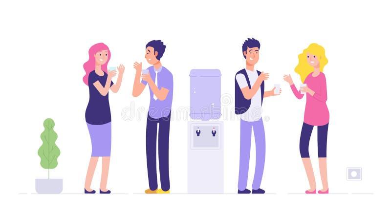 Πιό δροσερό σπάσιμο γραφείων Νέοι πόσιμου νερού ανδρών και γυναικών που μιλούν στο πιό δροσερό κοινωνικό άτυπο επιχειρησιακό διάν ελεύθερη απεικόνιση δικαιώματος