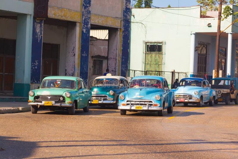 Πολύ αναδρομικό ταξί αυτοκινήτων στην πόλη της Αβάνας στοκ φωτογραφίες