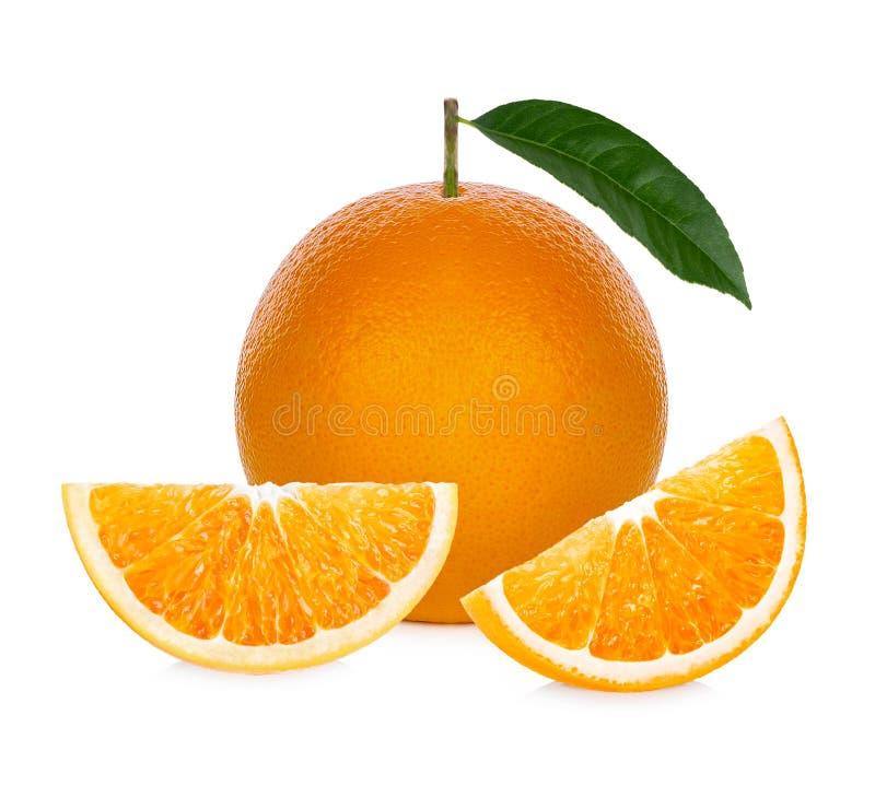 Πορτοκαλής καρπός Η φέτα ουρακοτάγκων απομονώνει στο άσπρο υπόβαθρο στοκ φωτογραφία με δικαίωμα ελεύθερης χρήσης