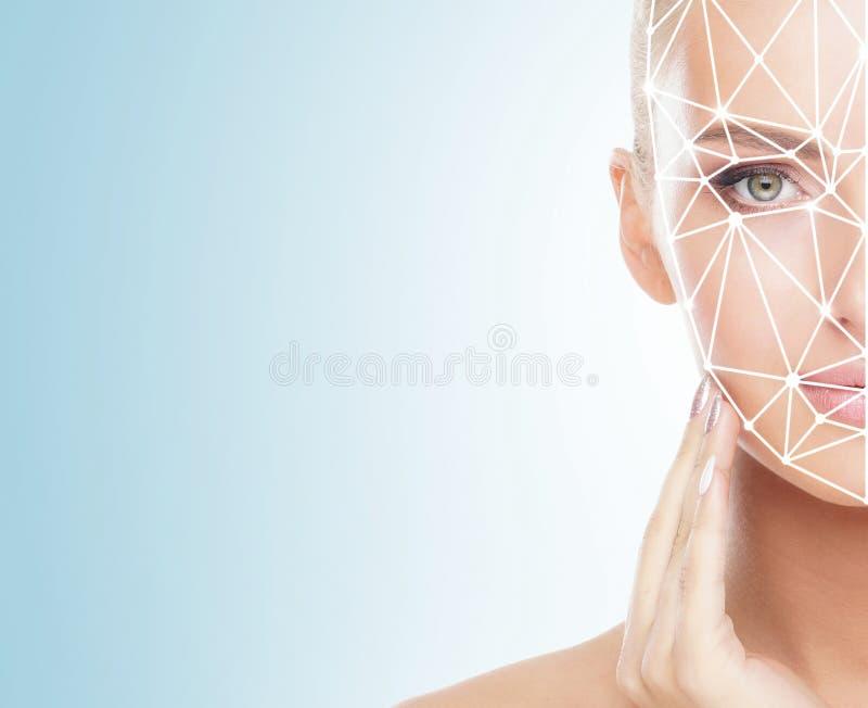 Πορτρέτο της ελκυστικής γυναίκας με ένα scnanning πλέγμα στο πρόσωπό της Ταυτότητα προσώπου, ασφάλεια, του προσώπου αναγνώριση, μ στοκ φωτογραφία