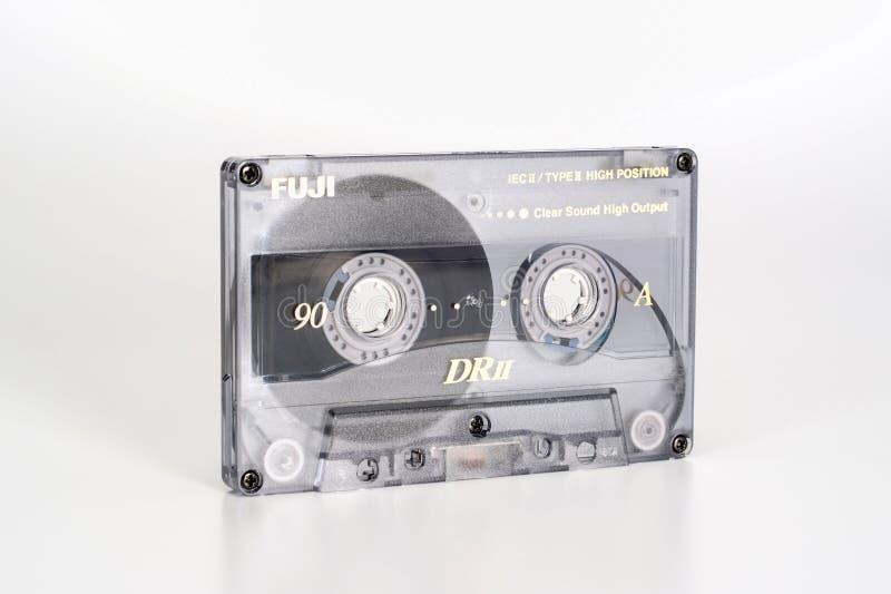 ΠΡΑΓΑ, ΔΗΜΟΚΡΑΤΊΑ ΤΗΣ ΤΣΕΧΊΑΣ - 20 ΦΕΒΡΟΥΑΡΊΟΥ 2019: Ακουστικό συμπαγές χρώμιο 90 του Φούτζι DRII κασετών άποψη από το αριστερό Α στοκ εικόνα με δικαίωμα ελεύθερης χρήσης