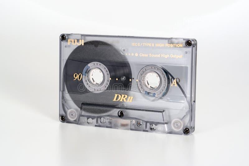 ΠΡΑΓΑ, ΔΗΜΟΚΡΑΤΊΑ ΤΗΣ ΤΣΕΧΊΑΣ - 20 ΦΕΒΡΟΥΑΡΊΟΥ 2019: Ακουστικό συμπαγές χρώμιο 90 του Φούτζι DRII κασετών άποψη από το δικαίωμα Α στοκ εικόνες με δικαίωμα ελεύθερης χρήσης